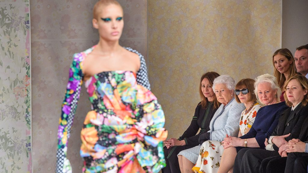 The Queen joins Anna Wintour at London Fashion Week