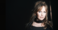 Gretchen Peters photo by Gina Binkley
