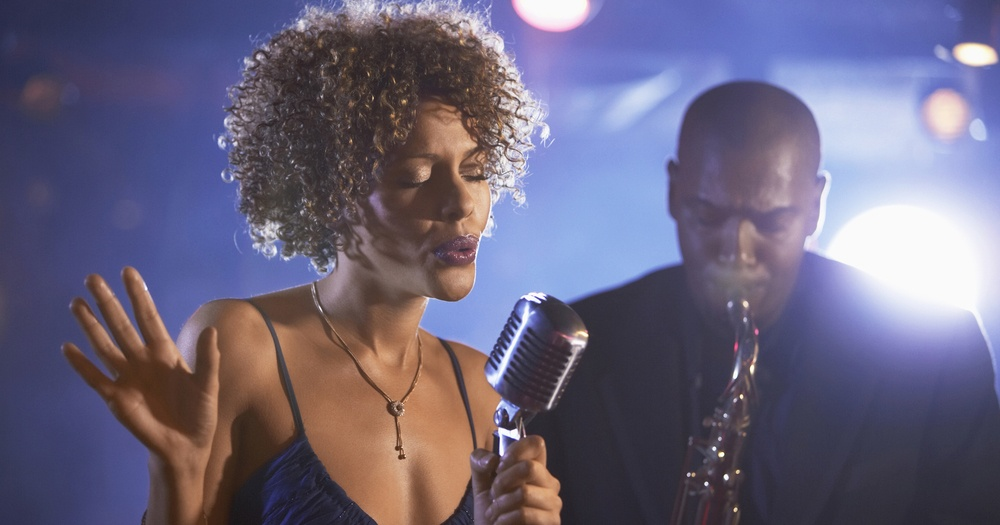 3 Ways to Become a Jazz Singer - wikiHow